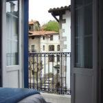 hostal kortarrasate ea bizkaia ventana 1